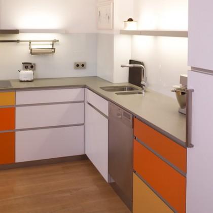 Bunte Küche 1 – beleuchtete Glastabelare