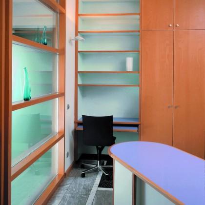Radiologe Glastrennwand Schreibtisch Regal